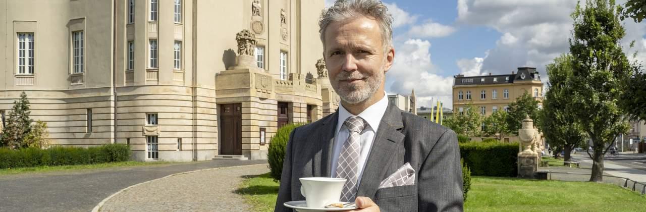 Von Millionen Gründen, ein Kaffeehaus zu errichten!